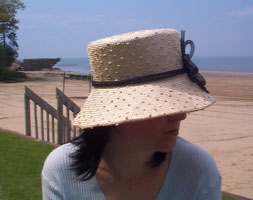 Joyn Lynn in knotted sisal is a knock out at the beach!